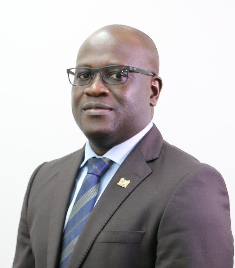 hr. drs. Sergio F. D. Akiemboto MBA