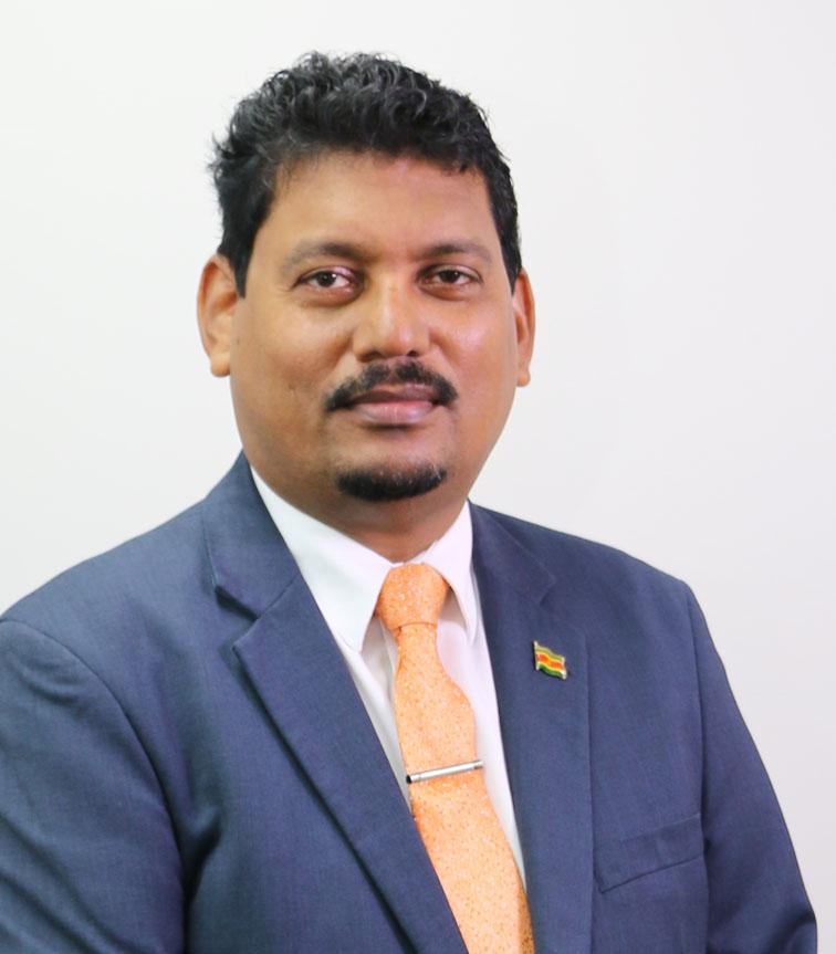 hr. drs. Asiskumar Gajadien