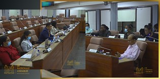 Commissie TCT met minister en staf in spoedmeeting bijeen